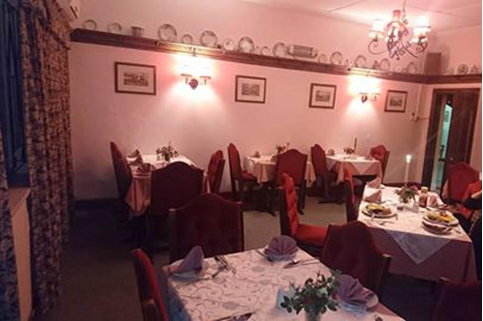 Green Lantern restaurant dining room